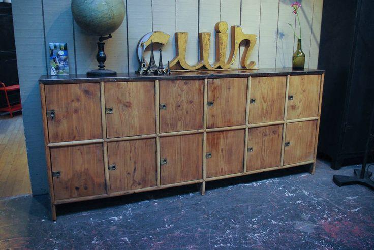 Ancien meuble d'atelier par le Marchand d'Oublis