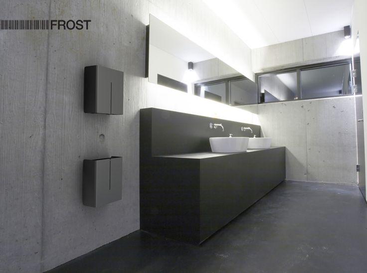 Dispenser en afvalbak van het Deense Frost A/S uit de Nova2 serie. design Bønnelycke mdd.