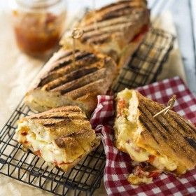Cheesy-pnp-braaibroodjies-with-spicy-tomato-relish-1160x1010px