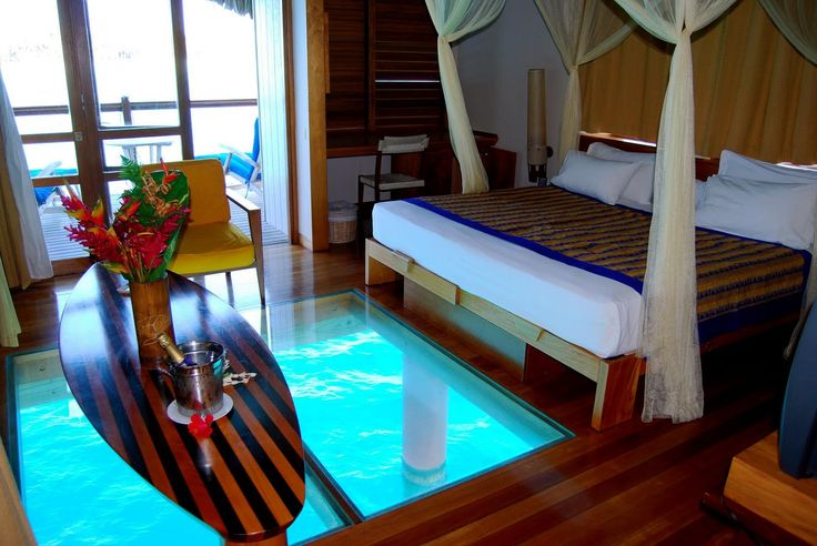 Hotel Le Meridien .Bora Bora over-water bungalow with see ...