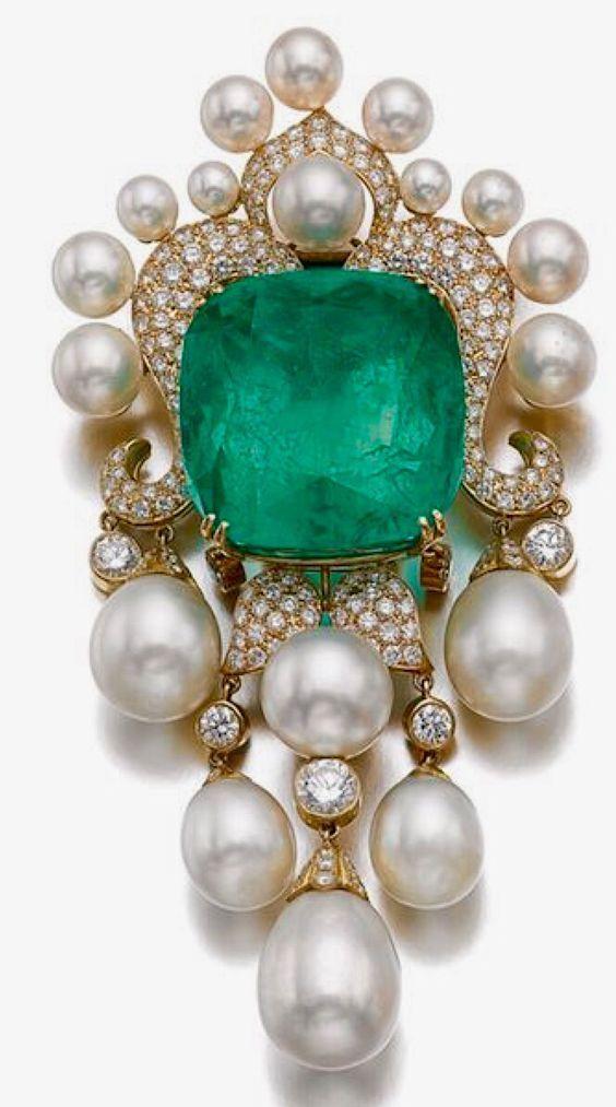 Emerald, Pearl and Diamond Brooch