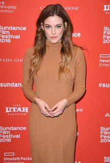 """Riley Keough Born: Danielle Riley Keough  May 29, 1989 in Los Angeles, California, USA Height: 5' 7"""" (1.7 m)"""