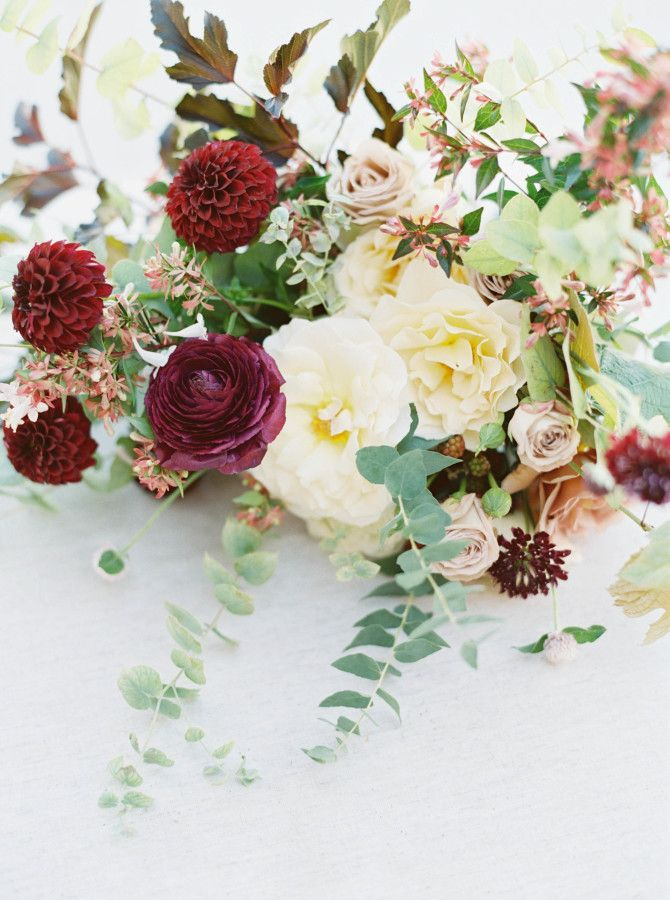 Blush and dark red wedding bouquet: http://www.stylemepretty.com/2017/03/21/the-dreamiest-alfresco-wedding-by-the-lake/ Photography: Maria Lamb - http://marialamb.co/