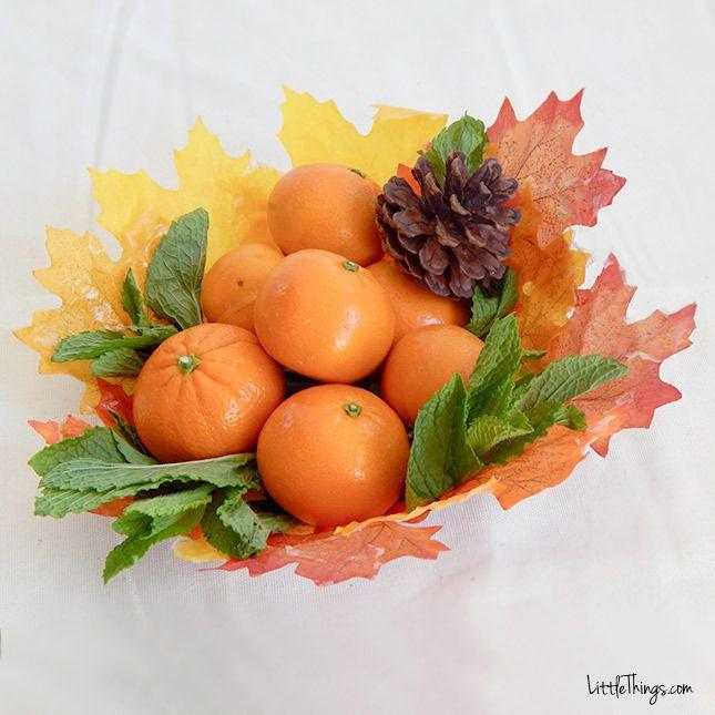 Slimme moeder verft ModPodge op bladeren om hele leuke decoratie voor de herfst te maken! - Zelfmaak ideetjes