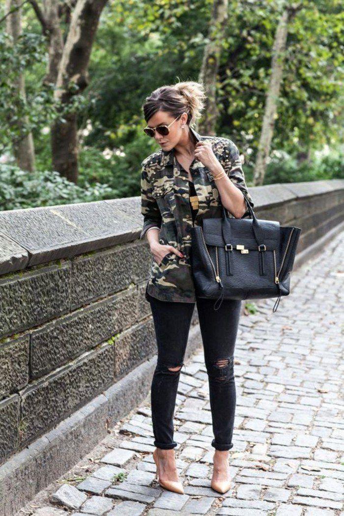 le noir et l'imprimé camouflage, veste style militaire combinée avec slim et hauts talons