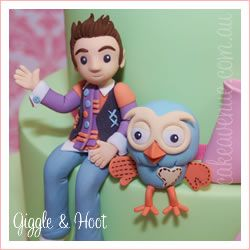 Giggle & Hoot Figurine