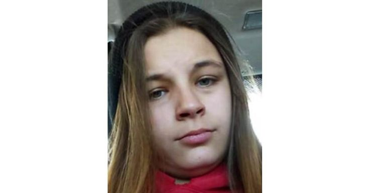 Missing From: OLNEY, IL. Missing Date: 11/07/2015. Both photos shown are of Makayla. She may be in the company of an adult male and female juvenile. They may travel to Carbondale or Robinson, Illinois or Bicknell, Indiana. Makayla has a tattoo of a heart on her stomach.