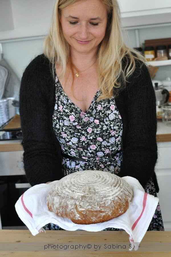 Due+bionde+in+cucina:+Pane+integrale+con+cestino+per+la+lievitazione