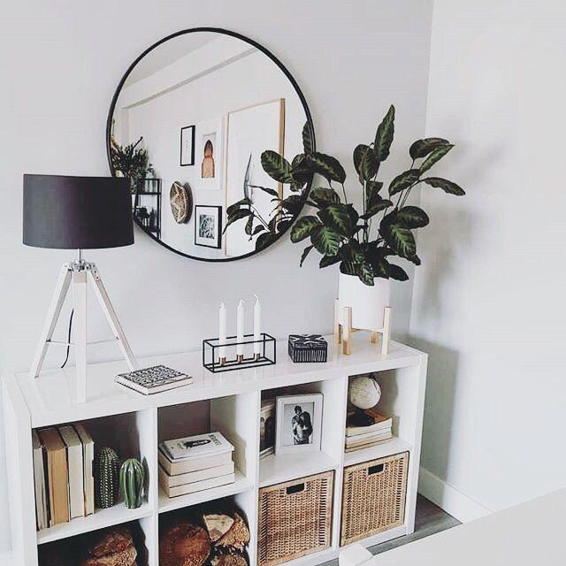Pin By Allie Dunn On Apartment Decor Living Room Decor Modern Living Room Mirrors Decor