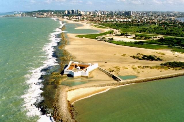 Vista do Forte dos Reis Magos e praias-  Natal-RN - Brasil