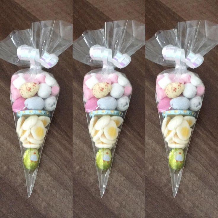 "9 Likes, 1 Comments - Lauras sweet treats (@lauras_sweet_treats) on Instagram: ""Easter sweetie cones #easter #sweetcones #minieggs #eggs #marshmallows"""