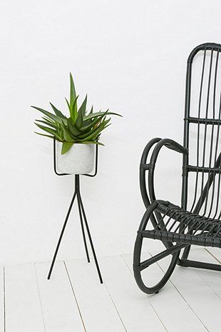 les 25 meilleures id es de la cat gorie supports pour plantes sur pinterest d cor botanique. Black Bedroom Furniture Sets. Home Design Ideas
