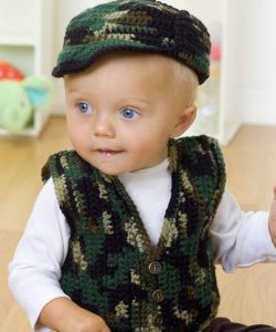 Baby Hunting Hat Some crocheters enjoy hunting or have hunting as the norm in their region. Enjoy this baby hunting hat with matching crochet vest. This hat is designed to allow the young person in your life to be part of the activity and feel included. I really like the …