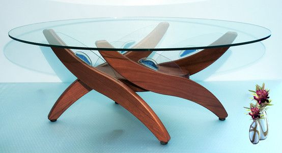 Tavolino Salotto di design, Style realizzato in Legno massello ed inserti in vetro Dimensioni 110X 60 cm h 38 cm.