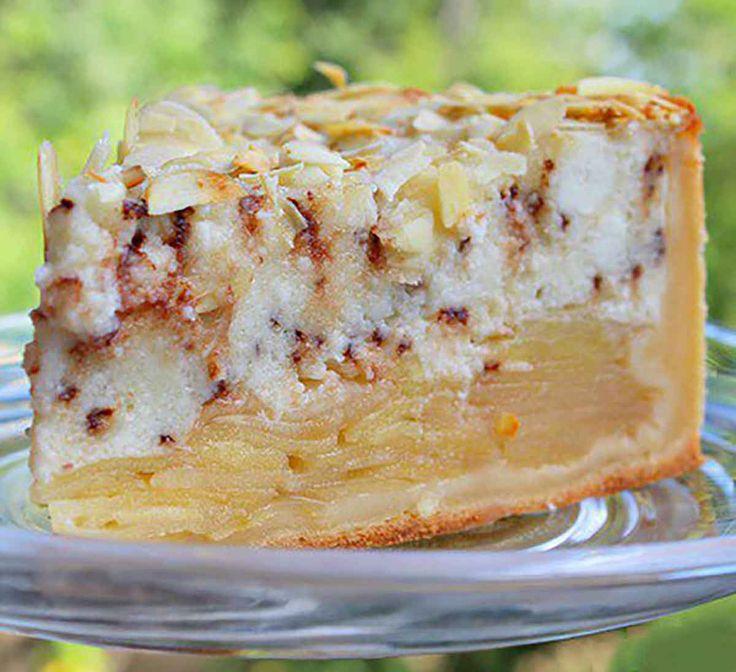 Cred că veți fi de acord că nu există prea multe prăjituri cu mere, pentru că sunt minunate, fiecare are specificul său șiun gust uimitor. Astăzi vă prezentăm o rețetă mai delicată de prăjitură cu mere, formată din blat fraged, umplutură suculentă de mere, cremă gingașă de brânză și ciocolată și un gust subtil de …