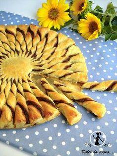 Γλυκές Τρέλες: Γλυκιά νοστιμιά σε 5 λεπτά - Ήλιος σφολιάτας και μερέντα!#.VWi9W5WJjIU#.VWi9W5WJjIU