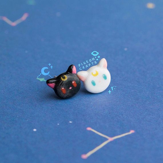 2eee7bc644b3 Sailor moon clay earrings luna and artemis earstuds handmade Dijes De  Arcilla Plástica