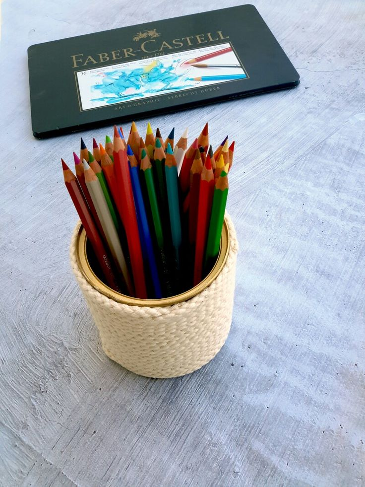 Time for some eco friendly, reused and repurposed desk organization, made out of rope and tin cans.