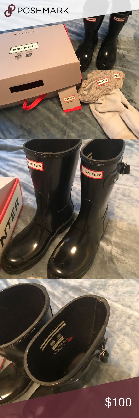 Hunter short black gloss boots Short black gloss Hunter boots with grey sock inserts with box Hunter Boots Shoes Winter & Rain Boots