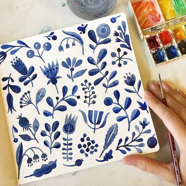 Midday doodle break! Happy Thursday! #Flowers #floral #floralpattern #watercolor…