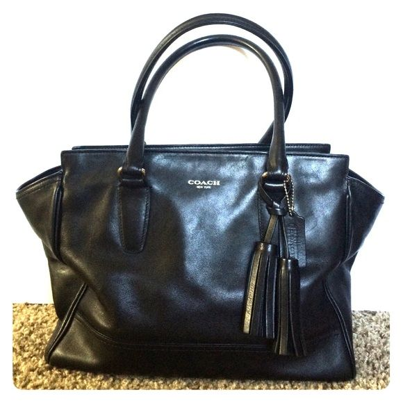 I just added this to my closet on Poshmark: #Coach #legacy #carryall. Price: $198 Size: Medium