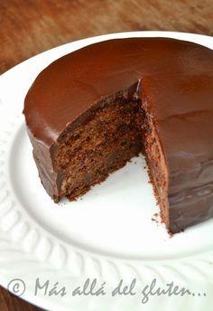 Más allá del gluten...: Torta de Chocolate sin Huevos (Receta GFCFSF, Vegana)