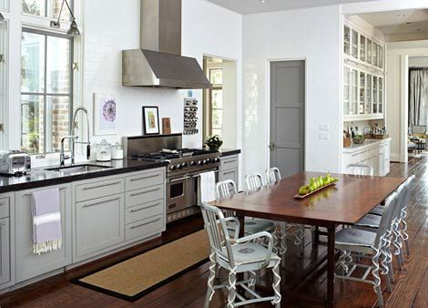 White kitchenCabinets, Butler Pantries, Cottages Kitchens, Dreams Kitchens, House Ideas, Subway Tile, Kitchens Tables, Kitchens Ideas, Traditional Home