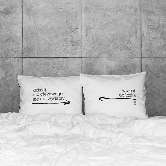 słowa, które odmienią każde wnętrze! białe, gładkie poszewki z zakładką 20 cm, 2 szt.100% bawełna (satynowana) dostępne wymiary: 60x50 cm prać ręcznie na lewej stronie maks. temp. 30°C seria: DAILINESS #whiteplace #whiteplacepl #pillow #poszewka #dekoracja #prezent #gift #dzisiaj #łóżko #bed #sleep