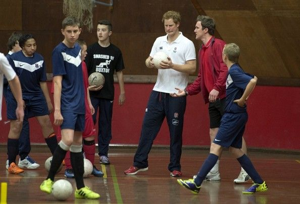 Prince Harry Photos - Prince Harry Plays Football with Young Athletes - Zimbio