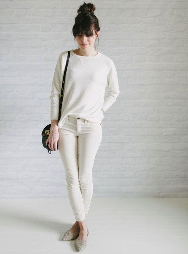 look-escritorio-todo-branco-jeans-skinny-moletom-sapatilha-com-bico-fino
