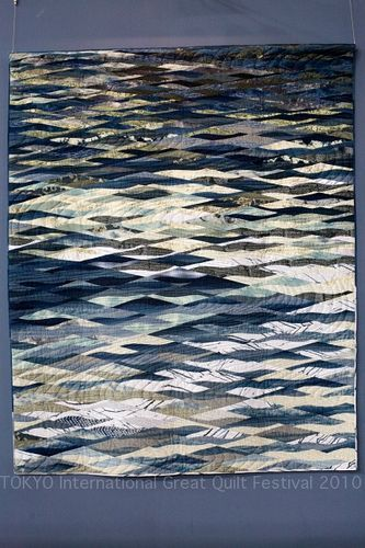 light on the water - Tokyo International great quilt Festival 2010.