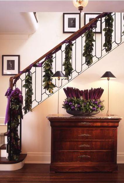 35 best escaleras navide as images on pinterest for Decoracion de escaleras