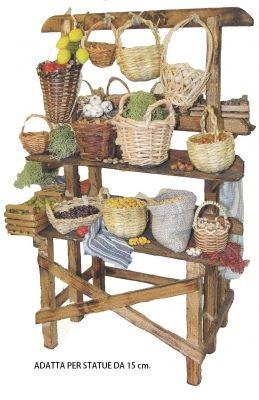 Bancarella in legno con due mensole arredata con cesti di frutta e verdura Lavoro completamente artigianale