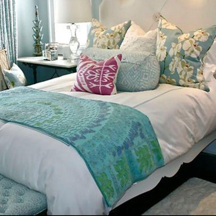 70 best dormitorio images on pinterest bedroom bedding - Decorar cama con cojines ...
