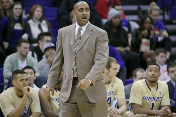 University of Washington men's basketball coach Lorenzo Romar has signed another outstanding class, according to scouting services. The new class includes five recruits.