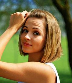 Short Hairstyles for Thin Straight Hair | http://www.short-haircut.com/short-hairstyles-for-thin-straight-hair.html