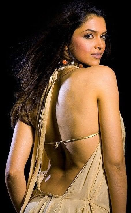 Top 10 Hot Images of Bollywood Actress in Bikini Clothes
