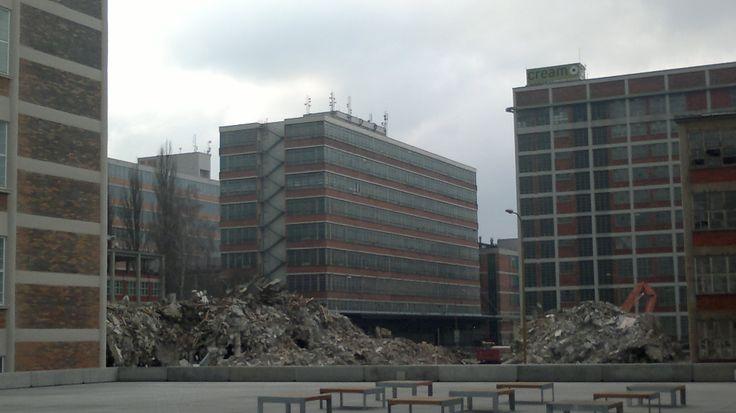 24 - 25 budova demolice