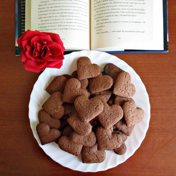 """""""Ecco, come promesso, la ricetta dei miei biscotti al cacao senza burro, simili ai Batticuore del mulino bianco ma molto più sani. Devo dire che hanno…"""""""