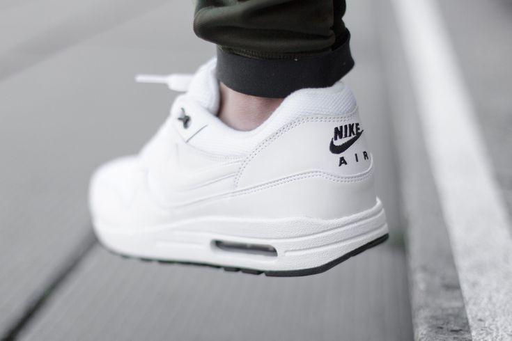 Nike Air Max 1 Black And White Womens