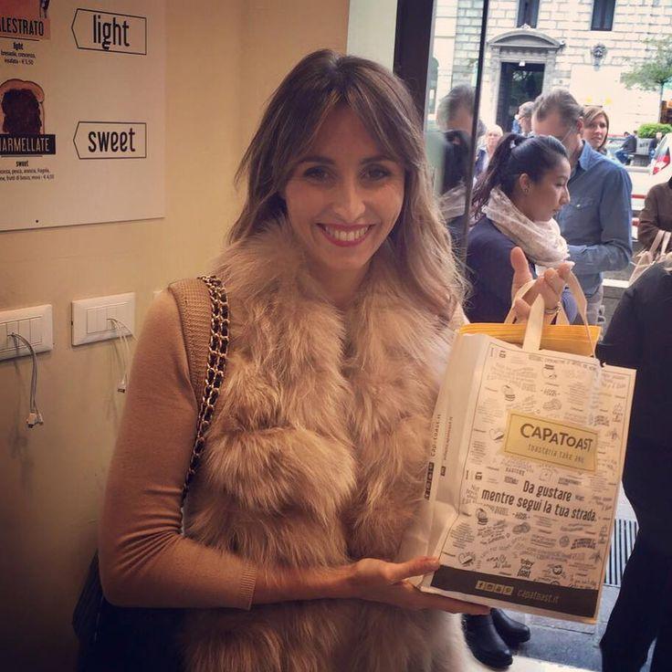 Guardate un po' chi è venuta ad assaggiare i nostri #Toast allo store #CAPATOAST di Milano C.so Buenos Aires?  È lei, la regina della cucina Benedetta Parodi! #capatoast #toasteria #takeaway