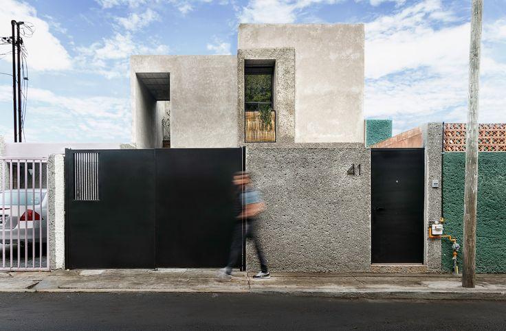 Casa Estúdio / Intersticial Arquitectura