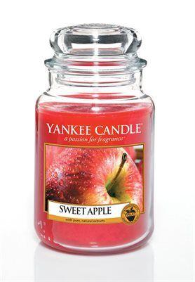 Sweet Apple. Sötma och krispighet från ett härligt moget äpple direkt från äppellunden. #YankeeCandle #SweetApple