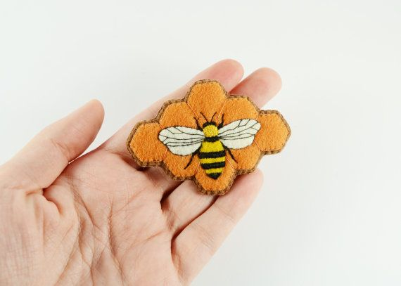 Bee Brooch / Felt Bee Brooch / Beehive Felt Brooch / Bumble Bee Pin / Honey Bee Brooch / Embroidery Jewelry / Entomology Pin / Insect Brooch