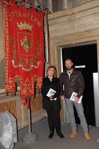Andrea Mattiello con l'artista Cecilia Piersigilli #andreamattiello #mattiello #evanescenzeesillenzidamore #palazzospada #terni #art #arte #contemporanea #artist #artista #emergente
