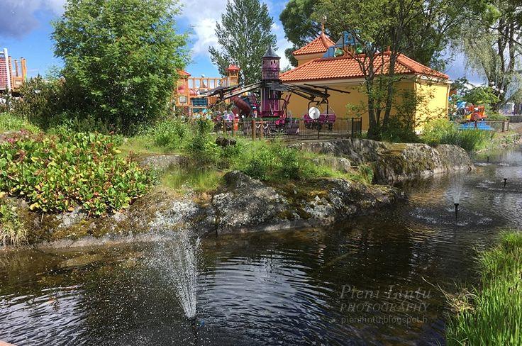http://pienilintu.blogspot.fi/2017/07/sarkanniemeen-sarkanniemeen.html