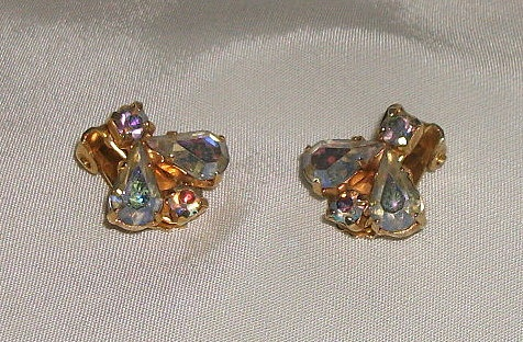 Vintage earrings with tear drop shaped by picsoflive on Etsy, $5.00