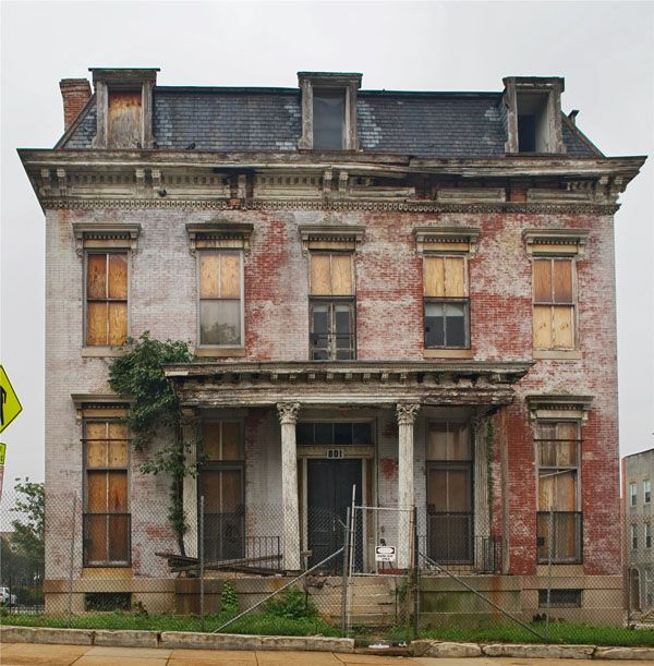 Mansions For Rent: 25+ Best Ideas About Abandoned Mansions On Pinterest