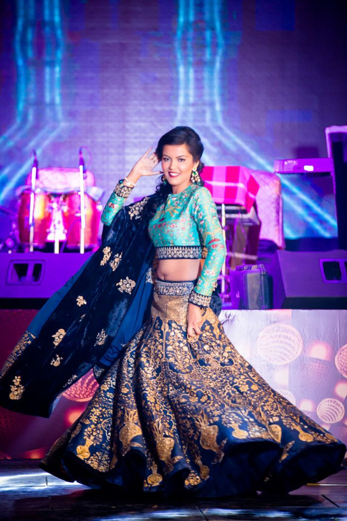 Choreographer - The Bride Ajeta! Photos, Hindu Culture, Black Color, Sangeet Makeup, Sangeet Jewellery, Sangeet pictures, images, vendor credits - Kundan Mehandi Art, Dipak Colour Lab Pvt Ltd, Mahima Bhatia Photography, Asiana Couture, Jasmeet Kapany Hair and Makeup, WeddingPlz
