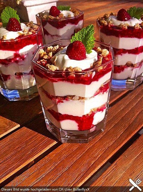Himbeer-Joghurt-Knusper-Traum